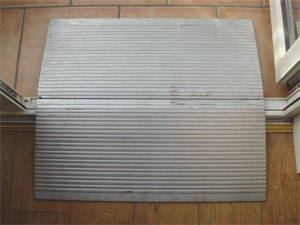 Aluminium threshold bridge ramp